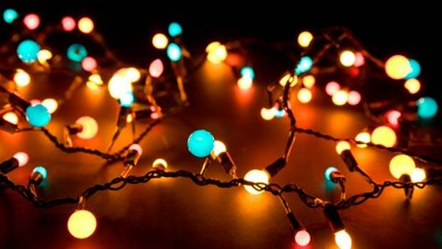 luces-pino_1596822-240
